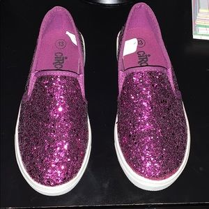 Girl's sequined slip on sneakers